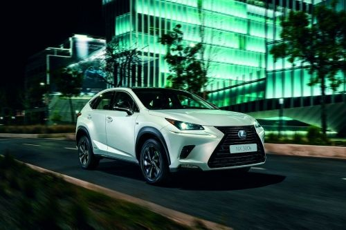 LEXUS NX ESTATE 300h 2.5 5dr CVT [Premium Plus Pack/Pan Roof] view 2